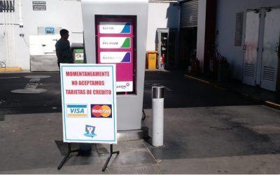 Estaciones de servicio independientes suspendieron el cobro con tarjetas de crédito en todo el país