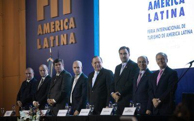Santos encabezó la apertura oficial del la Feria Internacional de Turismo