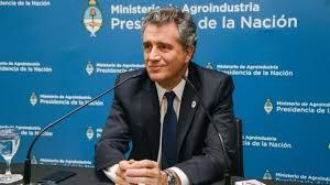 """Eychevehere advierte a Macri: """"No seremos el supermercado del mundo si subimos los impuestos"""""""